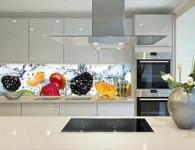Уникальные стеклянные фартуки для кухонного интерьера