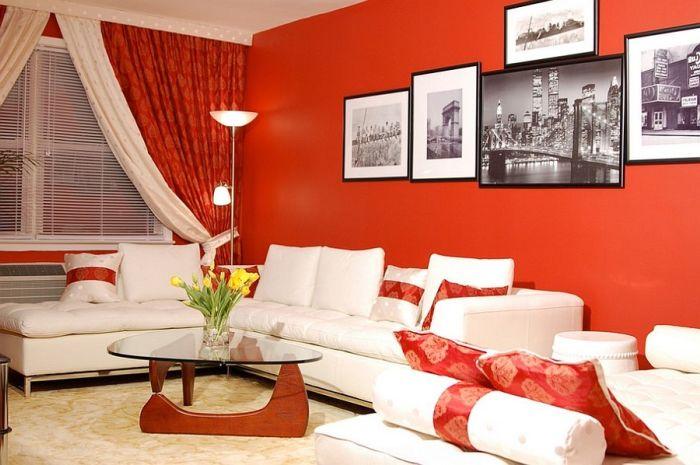 Современный интерьер гостиной в красном.