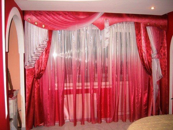 Красные шторы из органзы