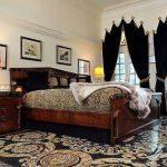Наливной пол с узорами в спальне