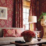 """Красные шторы с набивным """"золотым"""" рисунком"""