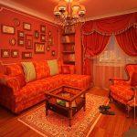 Красная гостиная в викторианском стиле