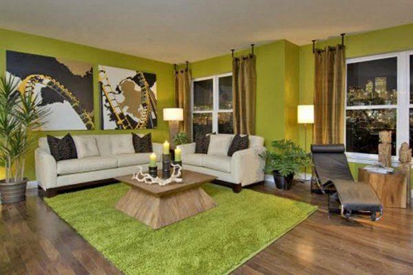 Зеленый цвет в дизайне просторной гостиной