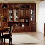 Корпусная мебель для гостиной в классическом стиле