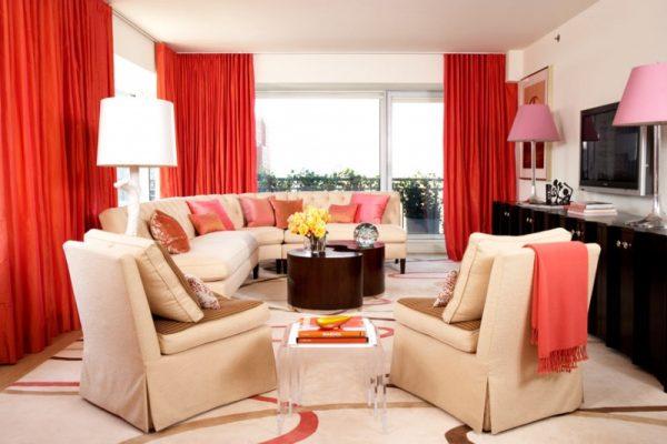Оформление гостиной с красным цветом.