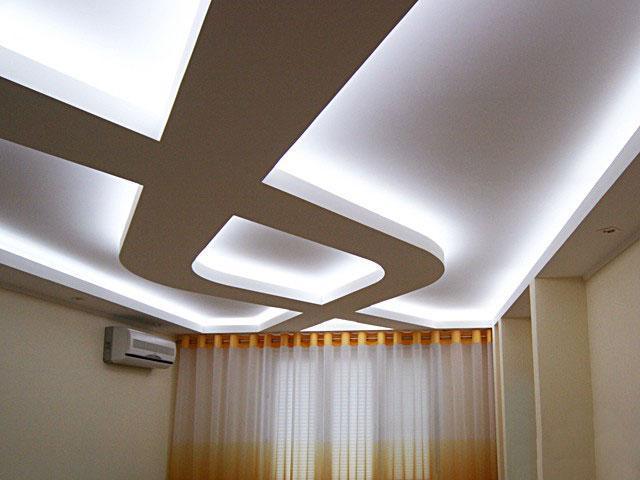 Потолок из гипсокартона с подстветкой