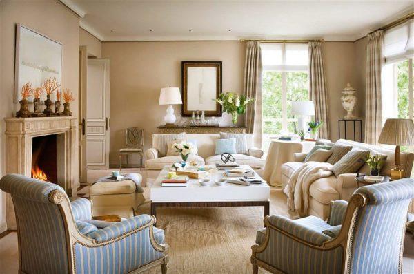 Бежевый и голубой цвет в интерьере гостиной