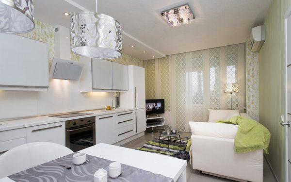 Интерьер белой кухни- гостиной