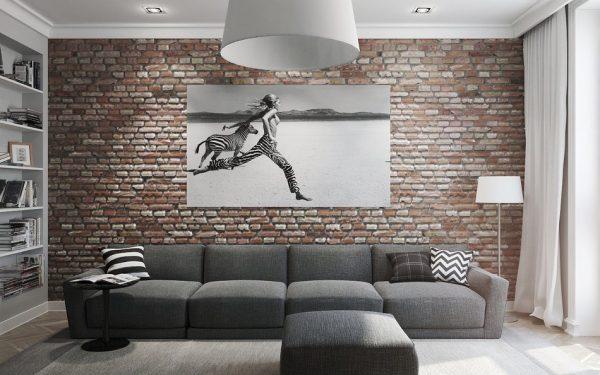 Постер на стене в интерьере лофт