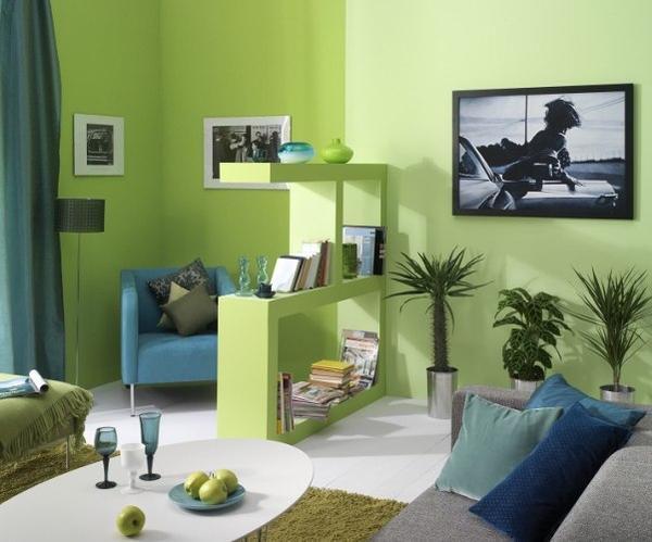 Интерьер зеленой гостиной.