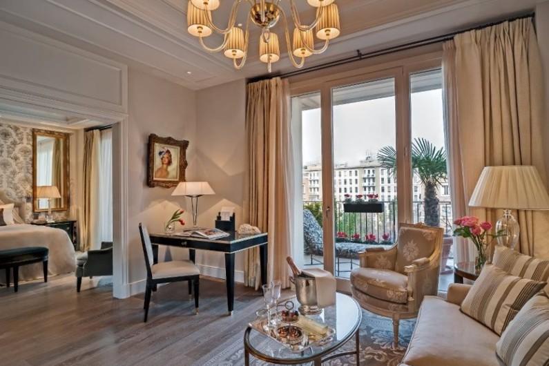Классический стиль в оформлении интерьера гостиной