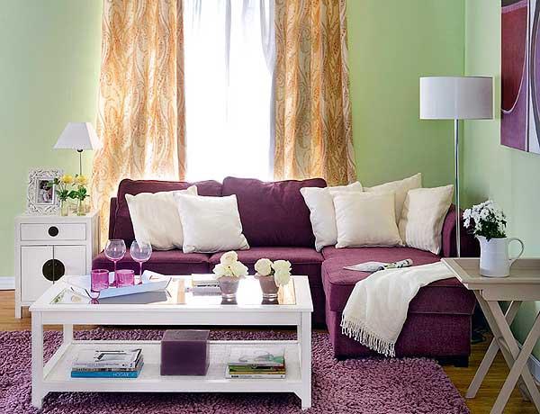 Сочетание фиолетового и белого цвета в интерьере