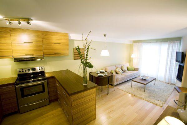 Ламинат в кухне-гостиной